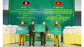 Hỗ trợ 75 tấn gạo cho lực lượng quản lý, bảo vệ biên giới Lào
