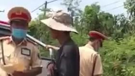 Đồng Nai: Tạm đình chỉ 2 CSGT nghi bảo kê xe vi phạm