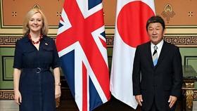 Nhật Bản, Anh ký thỏa thuận tự do thương mại hậu Brexit. Ảnh: BNG Nhật Bản