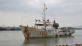 Đưa 14 ngư dân gặp nạn ở Trường Sa vào bờ