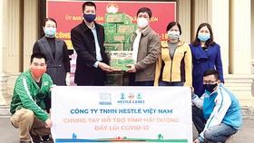 Nestlé Việt Nam sát cánh cùng tuyến đầu phòng chống đại dịch
