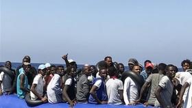 Giải cứu hơn 230 người di cư trái phép ngoài khơi Libya