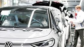 Một dây chuyển sản xuất ô tô của Volkswagen tại nhà máy ở TP Zwickau, Đức