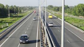 Điều chỉnh giảm thị phần vận tải đường bộ
