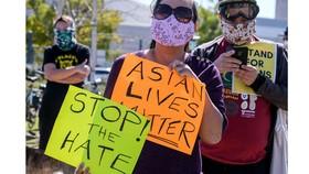 Tuần hành nâng cao nhận thức chống lại tình trạng bạo lực nhằm vào người Mỹ gốc châu Á tại Los Angeles ngày 20-2-2021