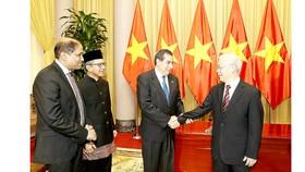 Tổng Bí thư, Chủ tịch nước Nguyễn Phú Trọng tiếp Đại sứ các nước: Cộng hòa Panama, Cộng hòa Singapore và Cộng hòa Indonesia tại Việt Nam đến trình Quốc thư. Ảnh: TTXVN