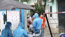 Lấy mẫu xét nghiệm SARS-CoV-2. Ảnh:minh hoạ