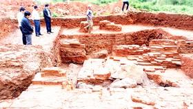 Nhiều phát hiện có giá trị trong lần khai quật thứ nhất  tại phế tích tháp Châu Thành