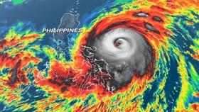 Philippines cảnh báo bão Surigae mạnh lên thành siêu bão