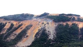 Đồi núi ở bán đảo Phương Mai bị san ủi, đào phá