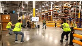 Một bài tập của nhân viên Amazon  trong giờ làm việc