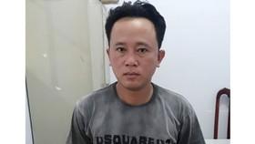 Đối tượng Nguyễn Văn Hận bị tạm giữ hình sự để làm rõ hành vi đưa người xuất cảnh trái phép