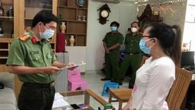 Cơ quan công an đọc lệnh bắt Trần Thị Thảo Trang