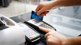 Từ ngày 1-9, phí thanh toán điện tử liên ngân hàng giảm 50%