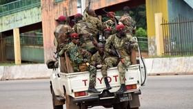 Các lực lượng vũ trang Guinea phong tỏa khu phố Kaloum của Conakry. Nguồn: Getty