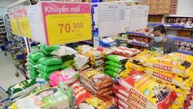 Hàng hóa thiết yếu đồng loạt giảm giá