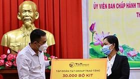 T&T Group trao tặng 140.000 bộ kit test nhanh Covid-19 và 150 tấn gạo hỗ trợ một số tỉnh phía Nam chống dịch