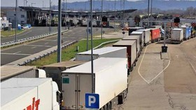 Việc cấp thị thực tạm thời nhằm giảm bớt tình trạng thiếu hụt tài xế xe tải ở Anh