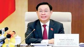 Chủ tịch Quốc hội Vương Đình Huệ phát biểu tại cuộc làm việc. Ảnh: TTXVN