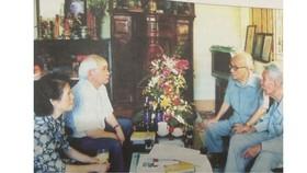 Giáo sư Trần Văn Giàu, Giáo sư Vũ Khiêu, ông Phan Xuân Biên và bà Đặng Quỳnh Khanh