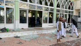 HIện trường vụ tấn công nhằm vào một thánh đường Hồi giáo ở thành phố Kandahar của Afghanistan hôm 15-10 (giờ địa phương)