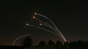 Israel và Lebanon 'đọ' tên lửa xuyên biên giới