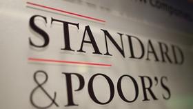 """Việt Nam là nước duy nhất được cả 3 tổ chức xếp hạng tín nhiệm, gồm Moody's, S&P và Fitch nâng triển vọng lên """"Tích cực""""."""