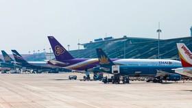 Sau Tân Sơn Nhất, Nội Bài cũng tạm dừng đón các chuyến bay quốc tế chở khách nhập cảnh, để chống dịch.