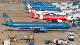 Cho đến nay, hàng hóa vận chuyển theo đường hàng không ở Việt Nam vẫn chỉ được chở dưới bụng của những chiếc máy bay hành khách. Ảnh: TL.