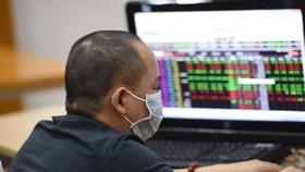 Nhà đầu tư vẫn nên xem xét kỹ kế hoạch phát hành cổ phiếu mới của các doanh nghiệp. Ảnh: Ngọc Thắng