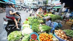 Nhiều chợ truyền thống ở TPHCM mở bán lại với thí điểm thực phẩm tươi sống
