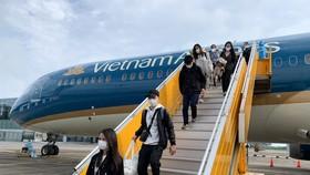 Tất cả các chuyến bay vận chuyển hành khách đến và đi từ TPHCM đều phải tạm dừng.