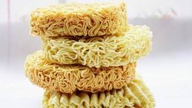Liên tục các sản phẩm mì ăn liền của Việt Nam vướng lùm xùm về an toàn thực phẩm ở nước ngoài.