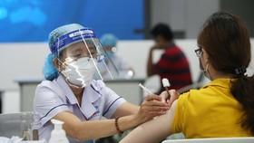 TPHCM đã nhận đủ vaccine Covid-19 để tiêm mũi 1 cho tất cả người dân trên 18 tuổi.