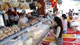Tiệm bánh mì Như Lan (Hàm Nghi, Quận 1) hoạt động trở lại. Ảnh: Ngọc Dương