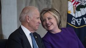 Bà Hillary ủng hộ ông Biden, đội tranh cử của Tổng thống Trump hoan hỉ