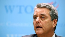 Tổng Giám đốc WTO Roberto Azevedo phát biểu trong một cuộc họp báo ở Geneva, Thụy Sĩ tháng 12/2019. (Ảnh: Reuters)