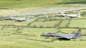 Máy bay F-15 của Không quân Mỹ rơi gần bờ biển nước Anh
