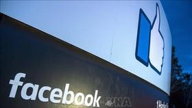 Biểu tượng Facebook tại trụ sở ở Menlo Park, California, Mỹ. Ảnh: AFP/TTXVN