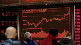 China's Hot Stock Rally Throws Fresh Challenge at Credit Market