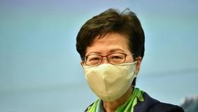 Đặc khu trưởng Hong Kong bị khóa thẻ tín dụng