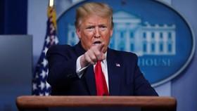 Tổng thống Trump đe dọa tăng thuế nếu các công ty Mỹ không mang việc làm quay về