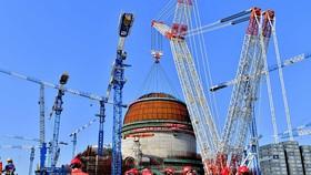 Mái vòm của một lò phản ứng được lắp đặt tại nhà máy điện hạt nhân Fuqing ở Phúc Châu, tỉnh Phúc Kiến, vào 21-03-2018. (Ảnh: Tân Hoa xã)