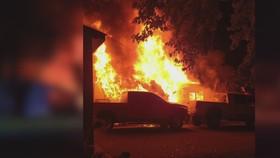 Ngôi nhà bị đốt cháy. @WCCO