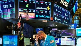 Chứng khoán lao dốc, USD leo thang sau khi TT Trump dương tính Covid-19