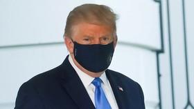 Ông Trump ngừng dùng thuốc chống Covid-19