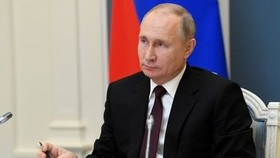 Ông Putin ký luật cho phép Tổng thống Nga mãn nhiệm được làm thượng nghị sĩ trọn đời