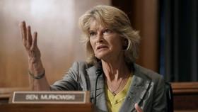 Thượng nghị sĩ Lisa Murkowski.