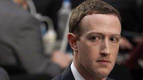 Đồng sáng lập Facebook, Chủ tịch kiêm Giám đốc điều hành Mark Zuckerberg điều trần tại Đồi Capitol ngày 10/4/2018 ở Washington, DC. Alex Wong / Getty Images