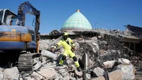 Một trận động đất tại Indonesia. Ảnh: EPA.